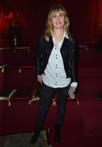 Emmanuelle Seigner, ambiance rock chez H&M