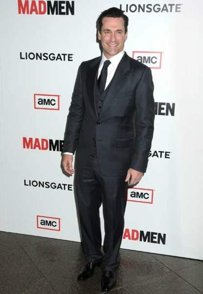 Jon Hamm so chic en costume trois pièces