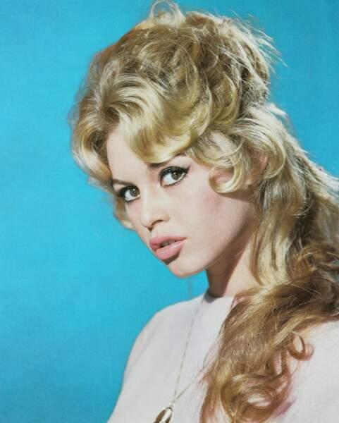 Le mythique chignon crêpé de Brigitte Bardot
