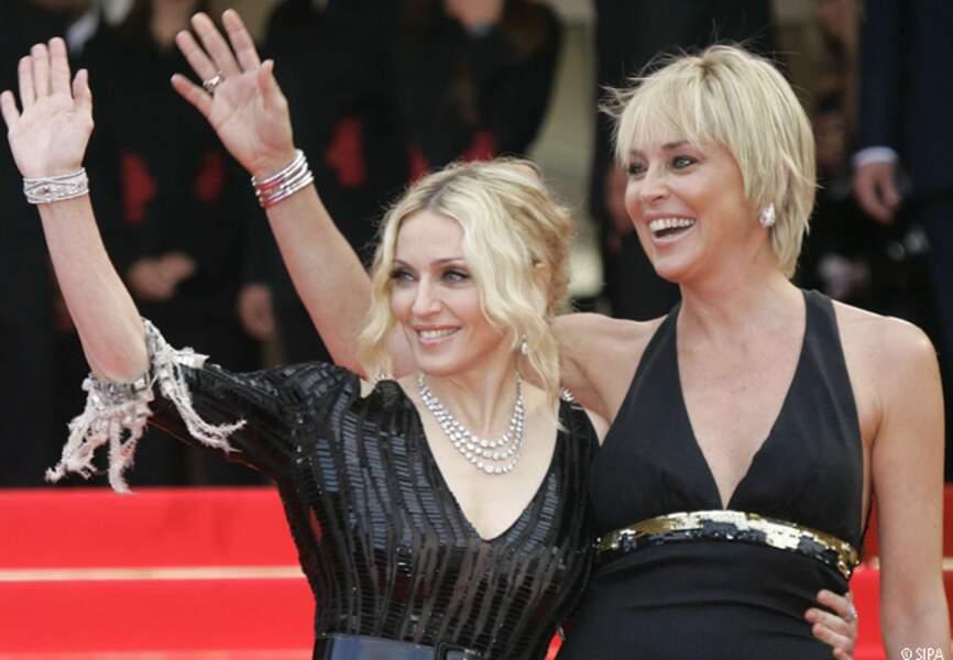 Sharon Stone et Madonna montent les marches ensemble en 2008
