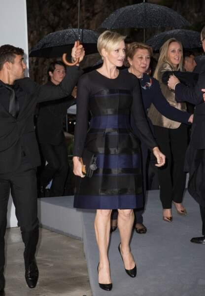 La princesse de Monaco en Dior lors du défilé Christian Dior Croisière