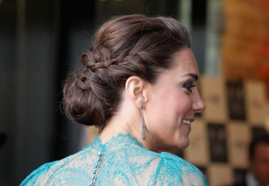 Chignon tressé sophistiqué pour la duchesse de Cambridge en mai 2012