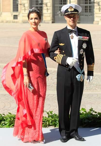 Mary de Danemark et son époux le prince Frederik au mariage de Madeleine de Suède (juin 2013)