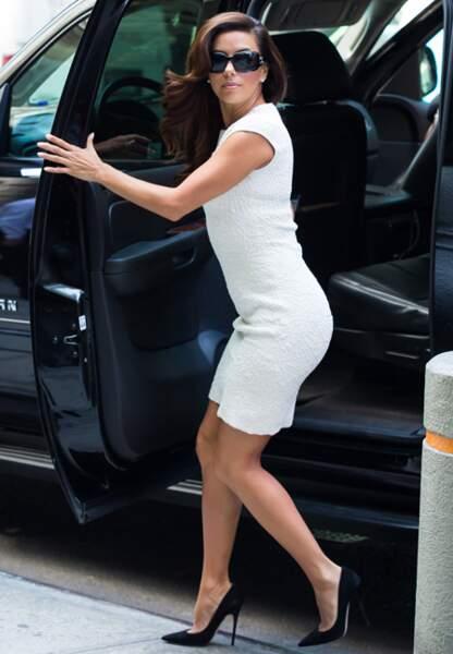 Même lorsqu'elle descend d'une voiture Eva Longoria fait l'événement