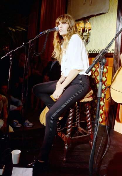 Septembre 2013 Pantalon de smoking et chemise blanche lors d'un concert exceptionnel à New York