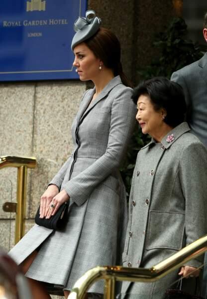Auprès de Tony Tan Keng Yam, l'épouse du président de Singapour