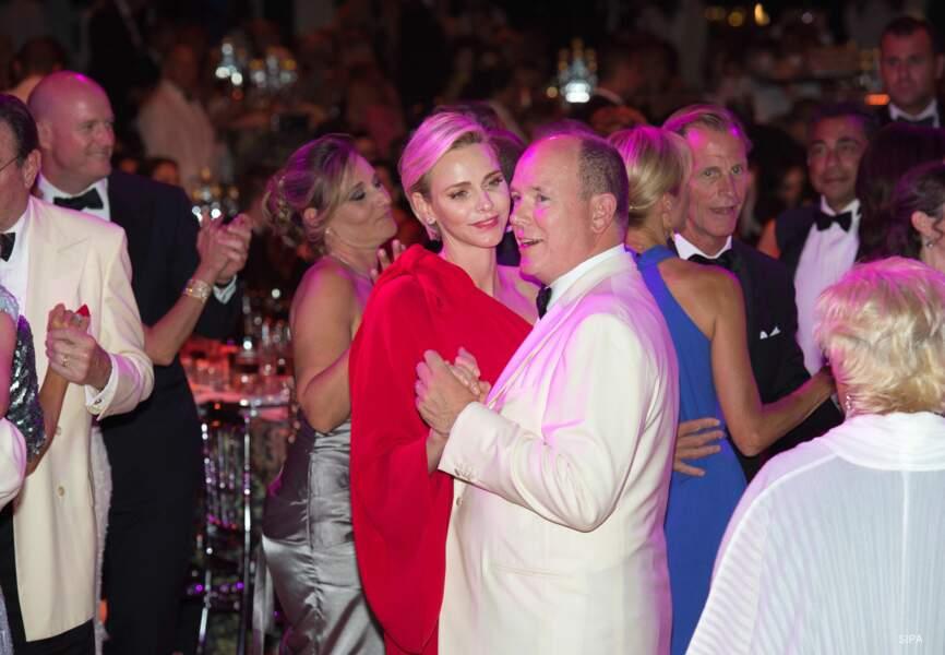 Le couple a ensuite montré l'étendue de son talent sur la piste de danse