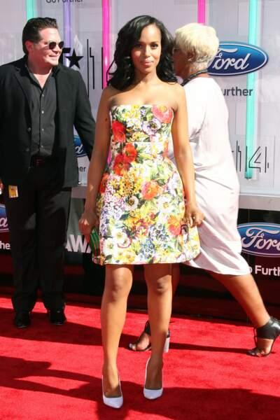 Kerry Washington en robe Dolce&Gabbana et stilettos Jimmy Choo