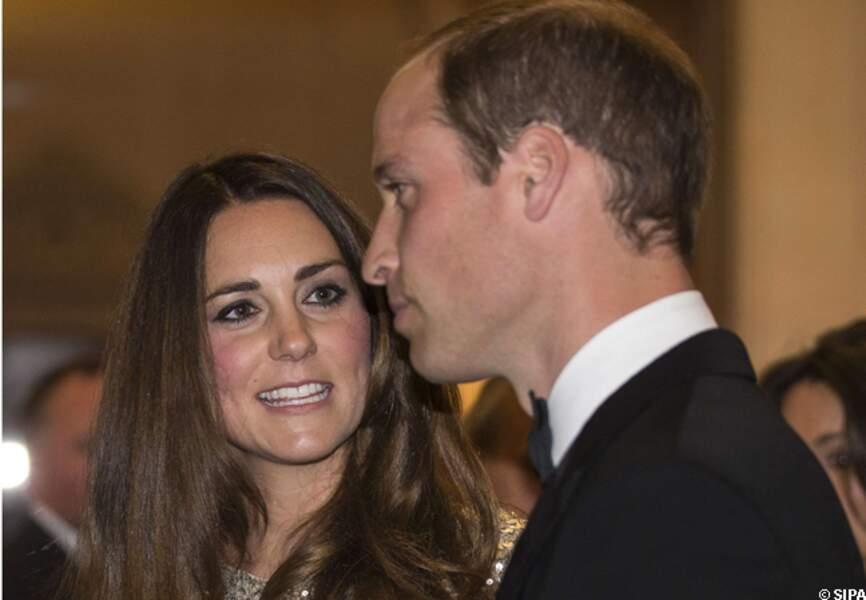 La princesse Kate boit les paroles de son époux