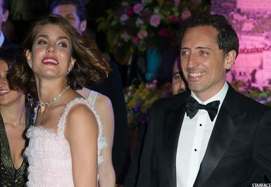 Décembre: Bébé très attendu, Raphaël fait le bonheur de Charlotte Casiraghi et Gad Elmaleh