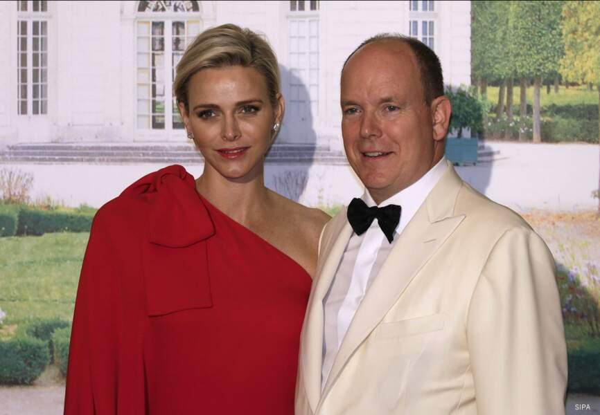 Le couple princier tout sourire pour le prestigieux événement du Rocher