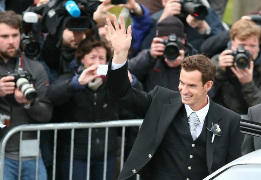 Le mariage écossais a attiré nombre de photographes et de fans