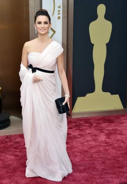 Penelope Cruz, en Giambattista Valli