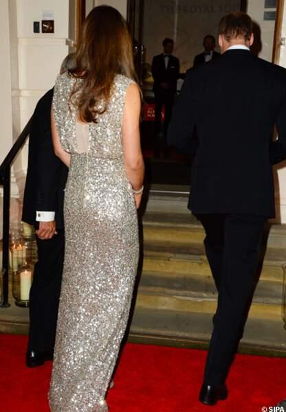 Pour l'occasion Kate avait revêtu une magnifique robe aux reflets dorés