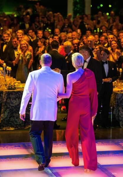 Albert de Monaco et son épouse ont été applaudis par les 850 convives