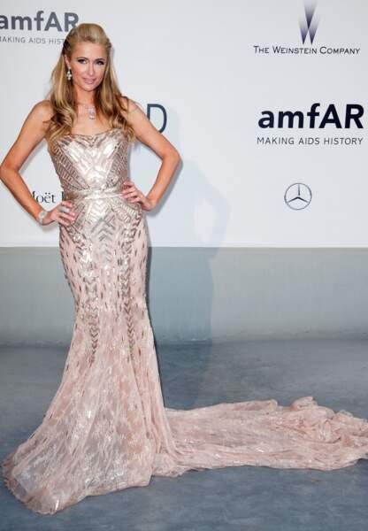 Paris Hilton en Atelier Versace