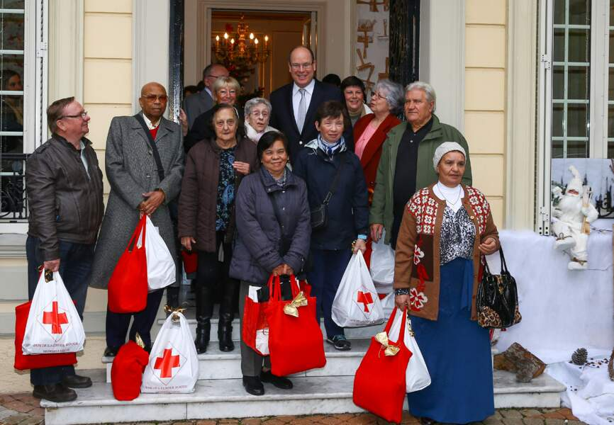Les monégasques qui bénéficient de la Croix Rouges ont reçu leurs paquets par le prince