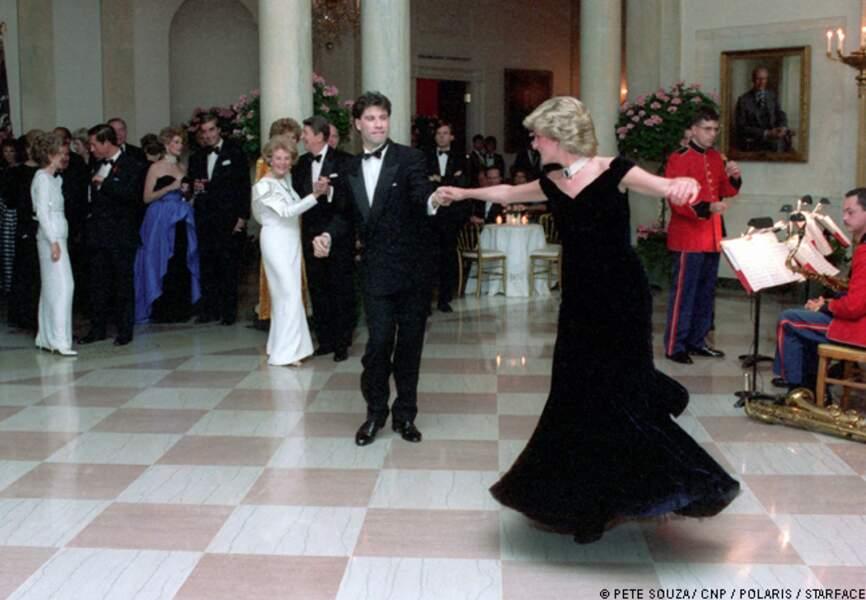 Lady Diana danse avec John Travolta