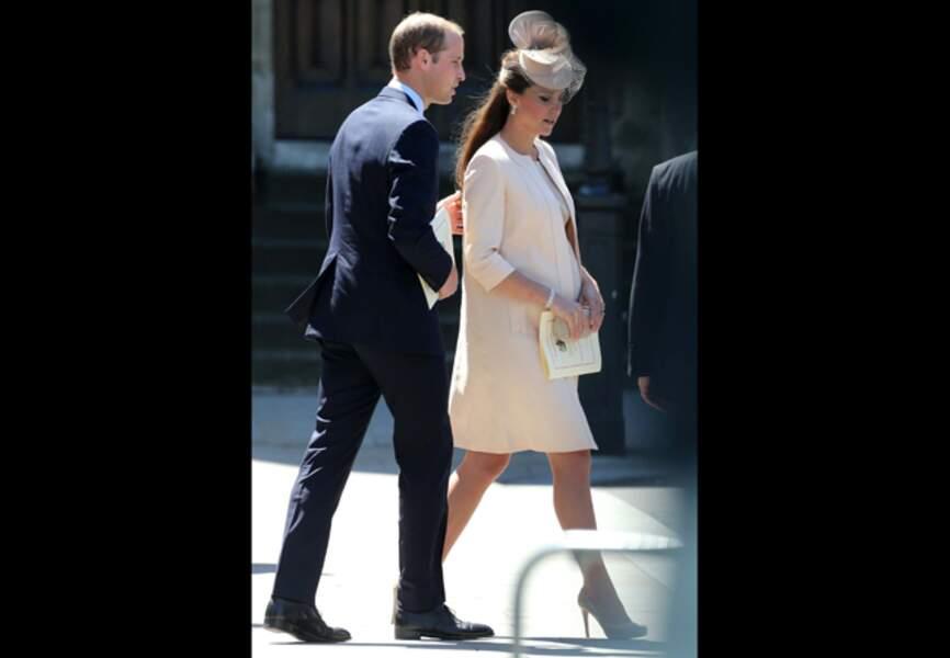 4 juin 2013 - Pour les 60 ans du couronnement de la Reine, Kate opte pour le rose bébé