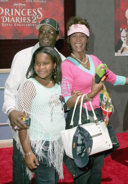 Rares sont les photos de la famille Houston-Brown. Cliché est pris en 2004, trois ans avant le divorce du couple.
