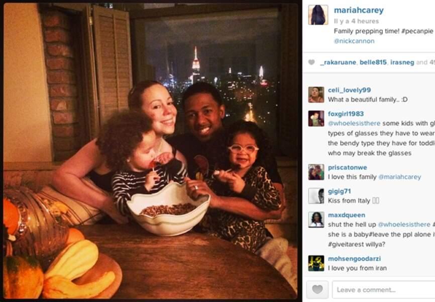 Pendant ce temps, @mariahcarey pose en famille à la veille de Thanksgiving