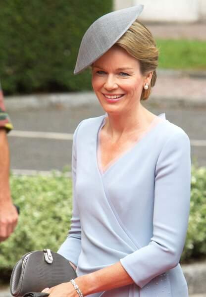 La reine Mathilde, superbe en bleu