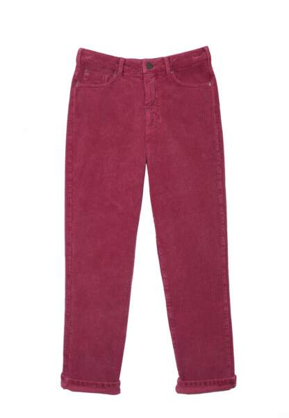 Le pantalon en velours côtelé framboise