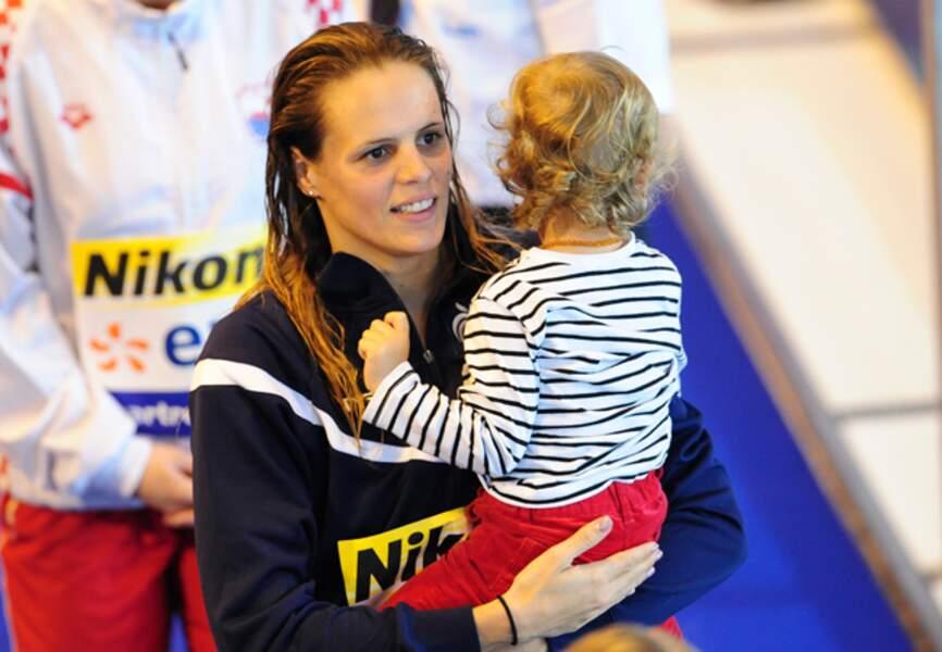 Avec sa fille Manon après avoir reçu la médaille aux championnats d'Europe