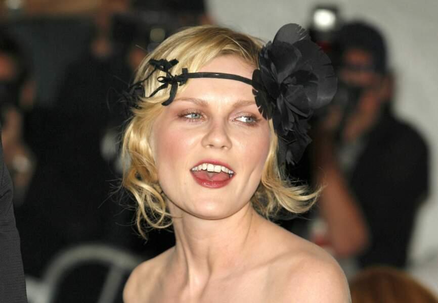 Twenties attitude et headband fleuri