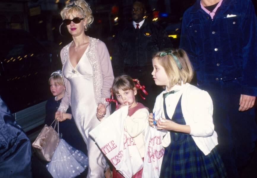 Les enfants de Bob Geldof: Fifi Trixibell, Peaches Honeyblossom et Little Pixie. Ici avec Paula Yates