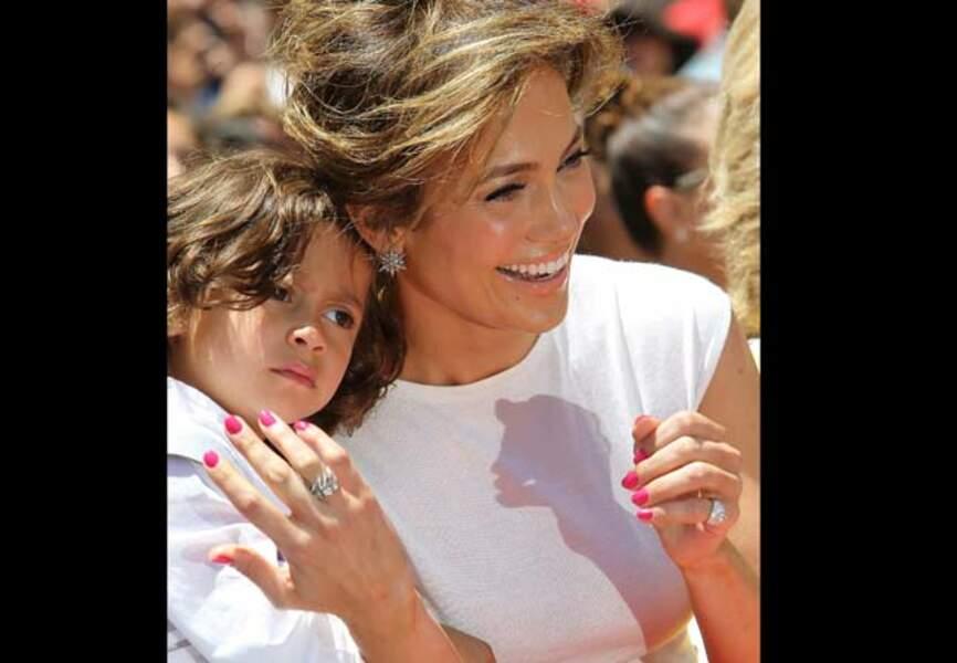 Rose comme Jennifer Lopez