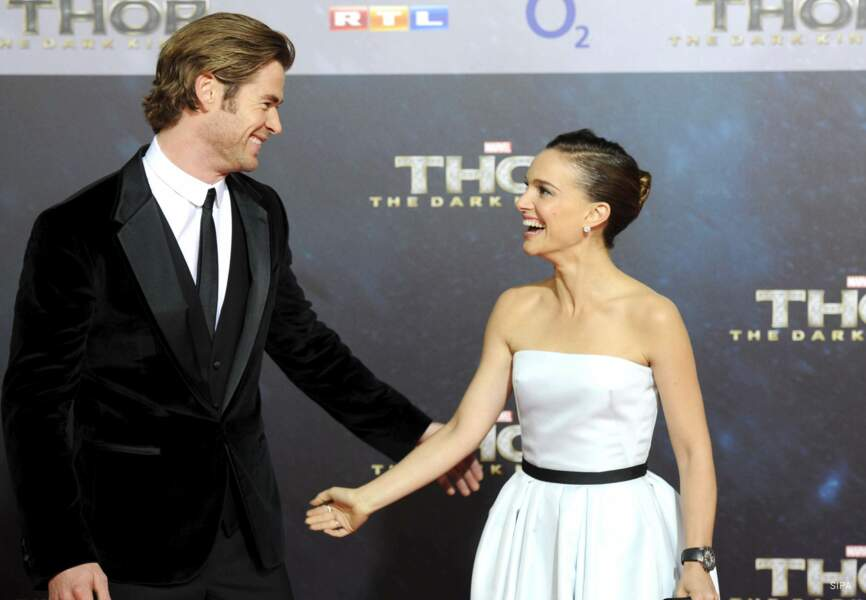 Ce qui ne l'empêche pas de tourner avec Chris Hemsworth dans la saga Thor