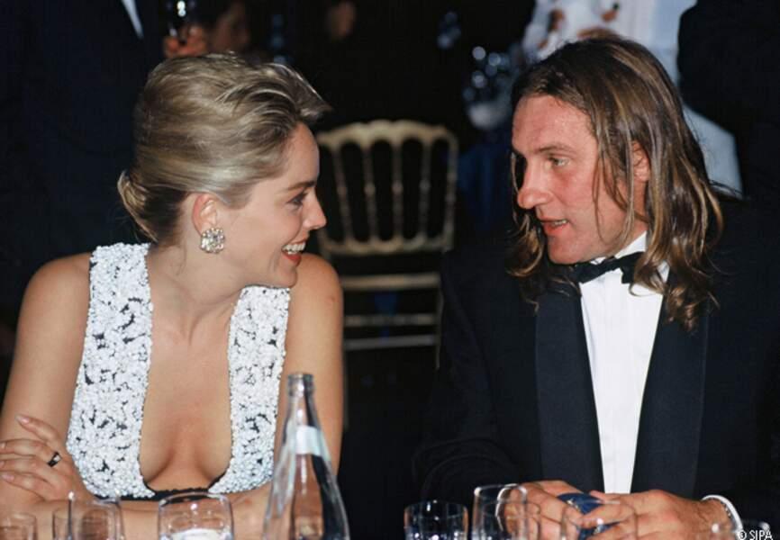 Sharon Stone dîne avec Gérard Depardieu en 1992