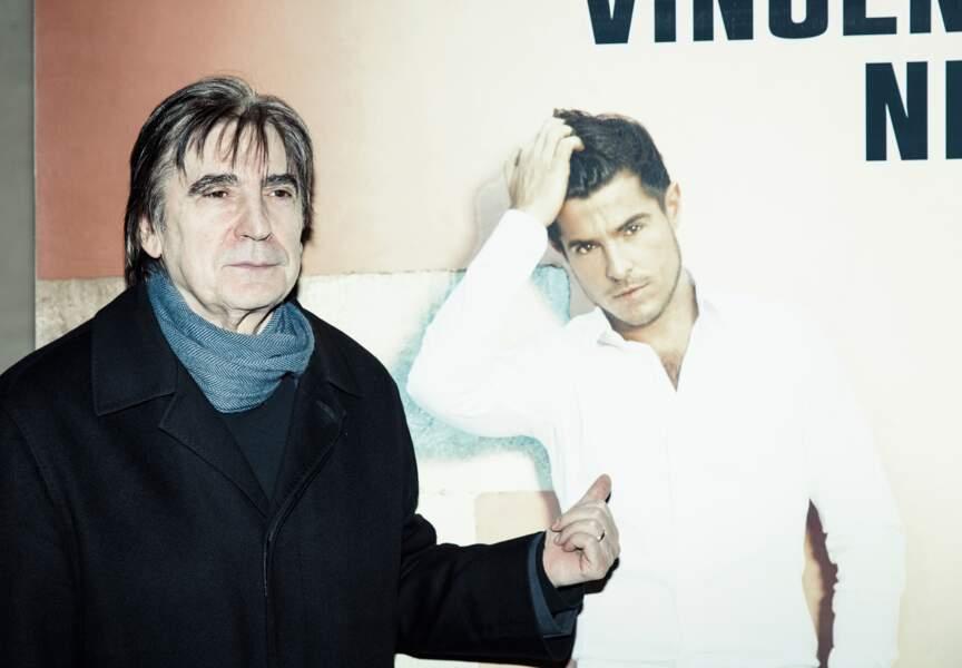 Serge Lama, auteur de plus de 20 albums, peut donner quelques conseils à Vincent Niclo.