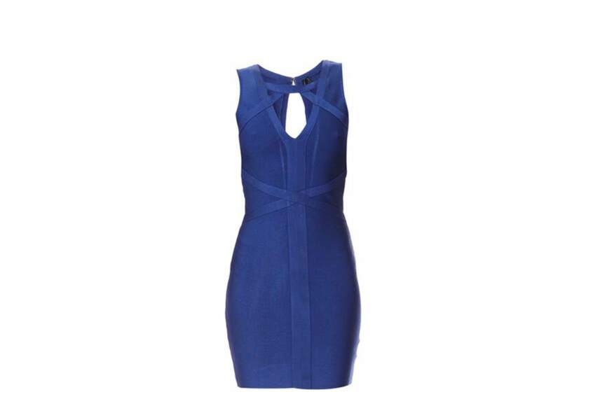 Guess by Marciano, Robe bleue, 213€ Soldée 115€Guess by Marciano, Robe bleue, 213€ Soldée 115€