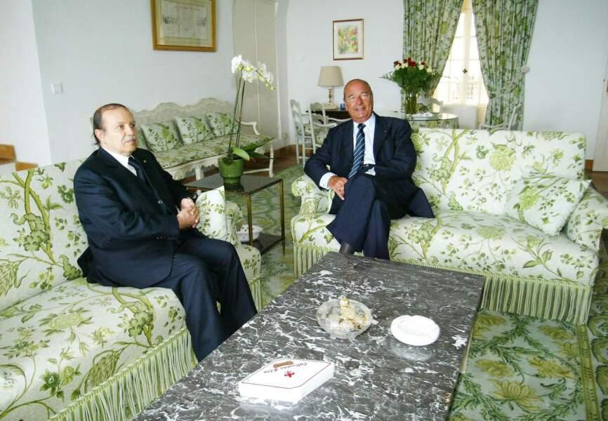 Jacques Chirac (ici, dans le salon vert avec le président Bouteflika) y tournait vite en rond