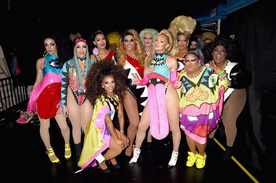 Miley Cyrus et sa troupe de danseurs aux MTV Video Music Awards