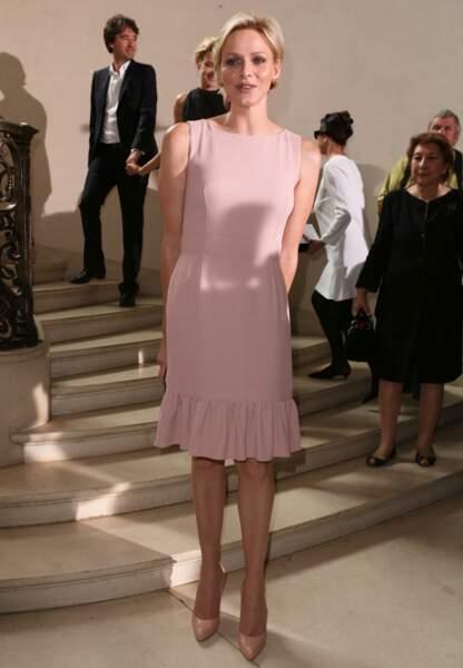 La princesse Charlène radieuse en rose poudré Diorlors du défilé haute couture en juillet
