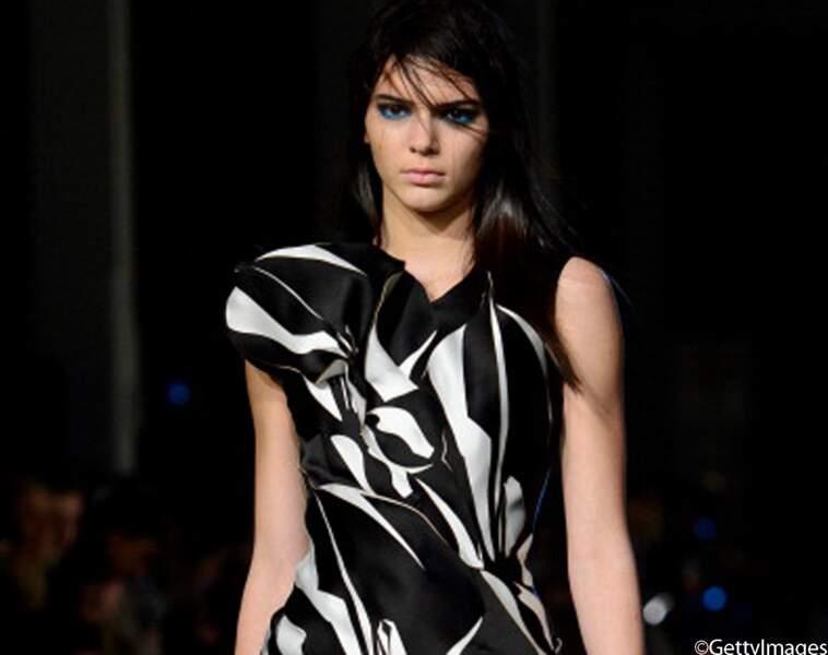 Kendall Jenner pour Gilles à la Fashion Week de Londres