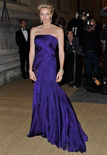 Lors d'un dîner organisé par Ralph Lauren, Charlène de Monaco fait honneur à son hôte