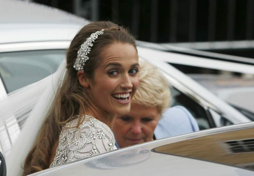 La mariée portait une robe Jenny Packham brodée de cristaux Swarovski