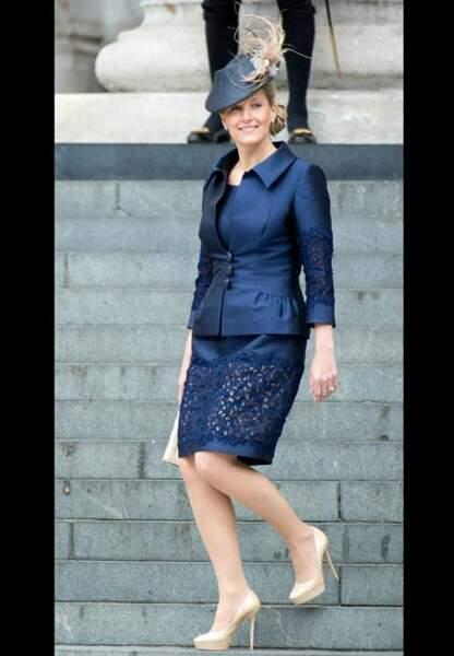 Total-look bleu marine lors du Jubilé de Diamant d'Elizabeth II