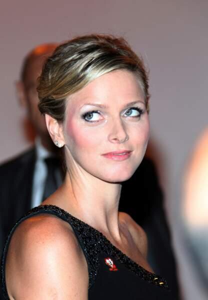 Charlène de Monaco : Pommettes blushées et fard irisé pour Charlène née Wittstock