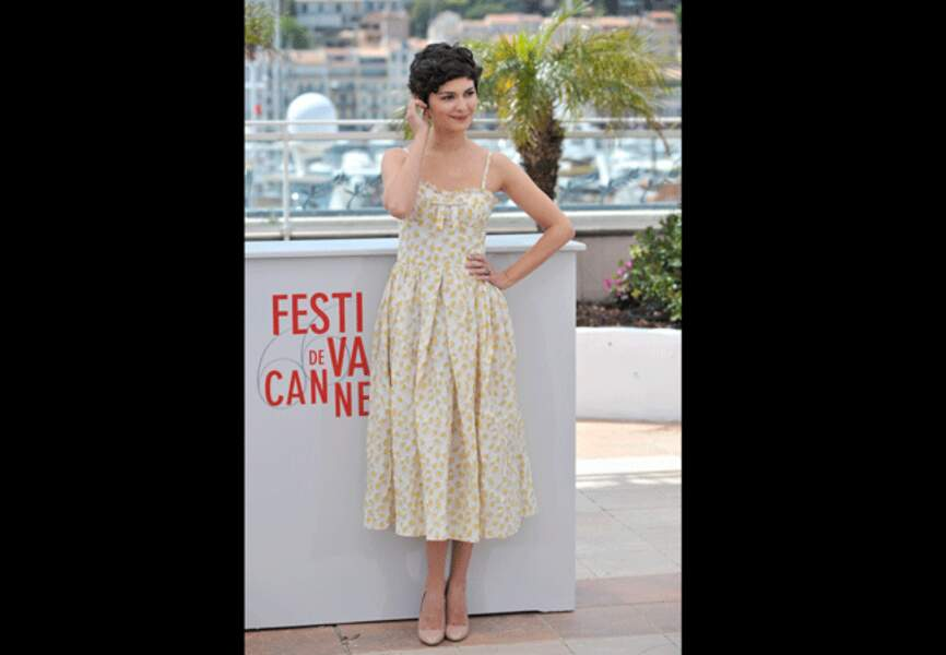 Une robe champêtre pour une actrice coquette