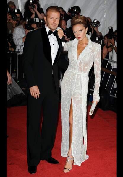 En 2008, à la soirée du Met Gala, le couple entame sa transformation