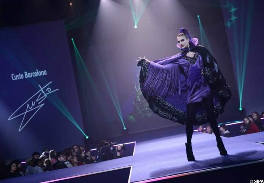 Custo réinterprète la robe de la méchante sorcière