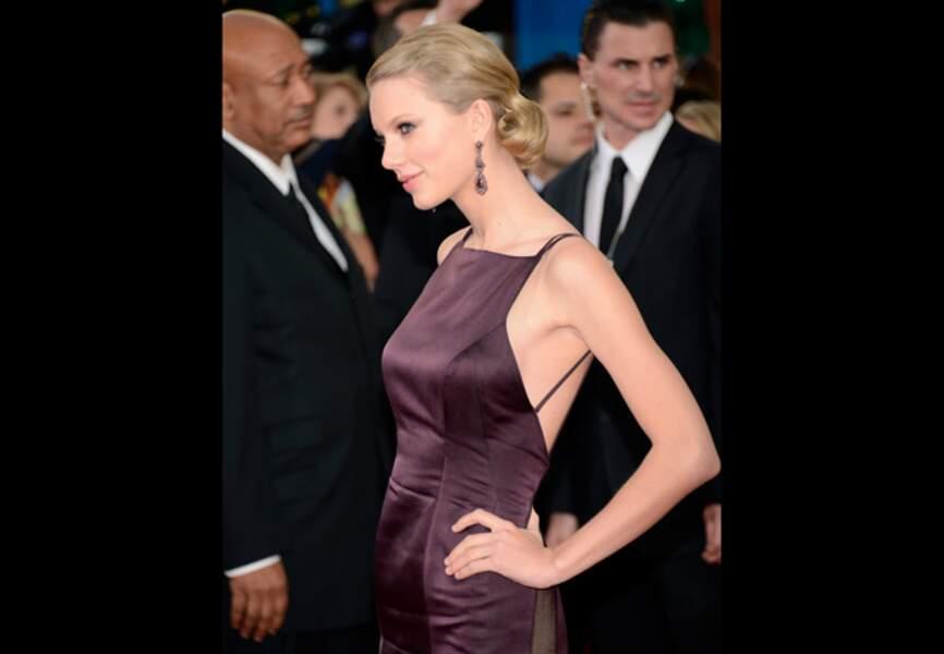 Miss Swift et sa silhouette Donna Karan Atelier