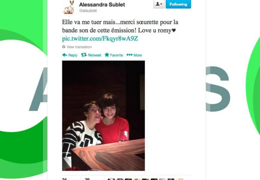 Photo de famille entre Alessandra Sublet et sa soeur Romy