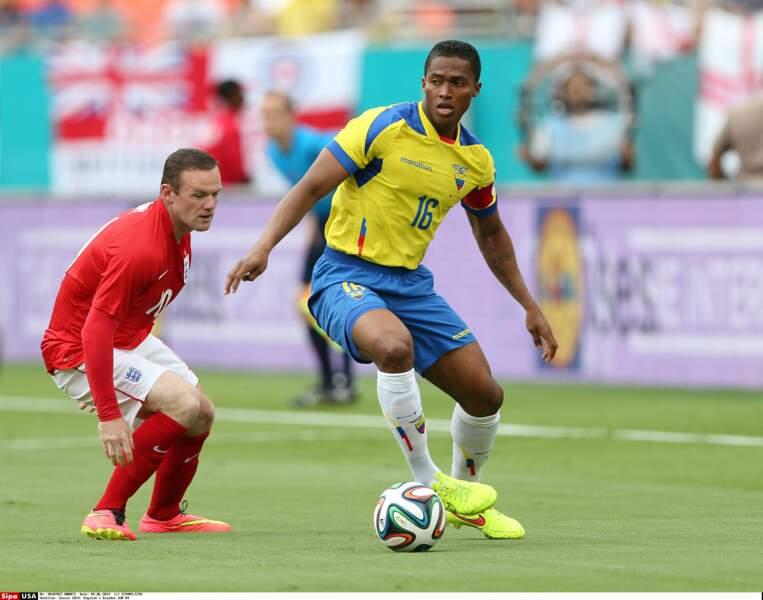 2: Antonio Valencia