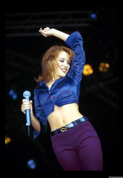 Années 1990 : Kylie Minogue en plein concert